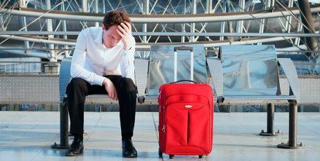 Как снять ограничения на выезд за границу?